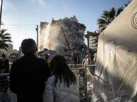 Devlet ve millet İzmir depreminin yaralarını el ele sardı
