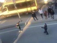 Arnavutköy'de elinde bıçak sinir krizi geçiren genç gözaltına alındı