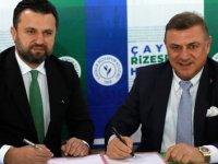 Çaykur Rizespor teknik direktör Bülent Uygun ile 1,5 yıllık anlaşma imzaladı