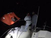 Çeşme'de 12 kaçak göçmen kurtarıldı