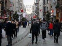 İstiklal Caddesi'ndeki yoğunluk kısıtlama sonrası da devam etti