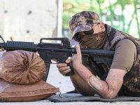 Gazi polis, nakilli eliyle 6 yıl sonra ilk atışını yaptı