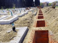 Cenazeler karıştı, ikinci kez toprağa verildi