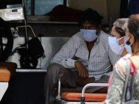 Hindistan'da dünyada kaydedilen en yüksek günlük Kovid-19 vakası tespit edildi