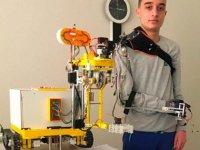 Mobil robot kol projesiyle dünya 1'incisi oldu