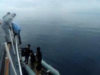 Yunan unsurlarınca geri itilen 8 kaçak göçmeni Sahil Güvenlik kurtardı