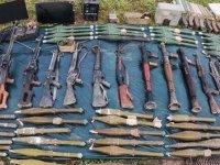 Pençe-Yıldırım operasyonunda terör örgütüne ait silah, mühimmat ve yaşam malzemeleri ele geçirildi