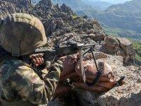 MSB: Pençe-Yıldırım operasyonunda mağarada çıkan çatışmada 5 PKK'lı terörist etkisiz hale getirildi