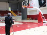 Kurduğu basket takımıyla engellileri sporla hayata bağladı