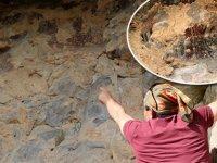 Mağaradaki binlerce yıllık duvar resimlerini defineciler talan etti