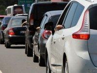 Özel araçlarıyla tatile gideceklere 'yaz lastiği' uyarısı