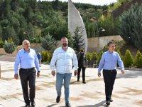 Kaymakam Can Aksoy, Ülkücü Şehitler Anıtı'nı yerinde incelediler