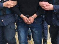 Kırmızı bültenle aranan teröristin de arasında olduğu 12 kişi Hatay sınırında yakalandı