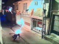 Diyarbakır'da AK Parti Hani İlçe binasına molotoflu saldırı