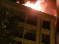 Bağcılar'da gece yarısı korkutan yangın