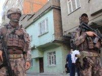 'Narko Alan Diyarbakır' projesiyle uyuşturucu tacirlerine karşı 1200 polis ile uygulama başlatıldı