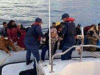 İzmir açıklarında 67 kaçak göçmen kurtarıldı