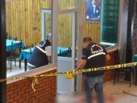 Emekli polis, tartıştığı kahvehaneci ve akrabasını tabancayla öldürdü