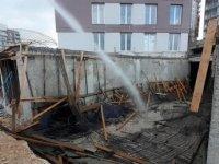 Beton dökülen inşaat platformu çöktü: 1 yaralı