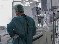 Türkiye'de 29 bin 240 kişinin testi pozitif çıktı, 214 kişi hayatını kaybetti