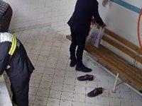 Abdesthanede hırsızlık anı kamerada
