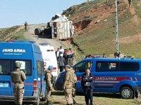 Kaçak göçmenler kaçarken kaza yaptı