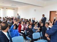 Tiryaki'den gençlik merkezine ziyaret
