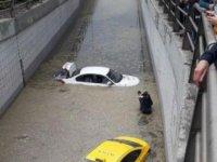 Ankara'yı sel vurdu: Onlarca kişi mahsur kaldı!