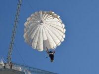 Muhabirimiz paraşüt kulesinden atladı