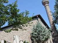 Hamamönü'nde hangi camiler var