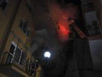 Başkentte kokutan yangın! 8 katlı binada yangın çıktı!
