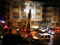 Başkentte yangın: 10 Kişi dumandan etkilendi