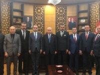 Çiçeği burnundaki ilçe başkanlarındanBahçeli'ye ziyaret
