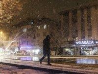 Başkent'te kar yağışı etkili oldu