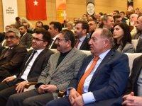 """Başkan Tiryaki'ye """"Yılın Pozitif Belediye Başkanı"""" ödülü"""