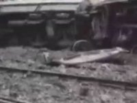 Freni boşalan trenden ayrılan vagonlar, boş vagonlara çarpıp, devrildi