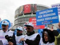 CHP'li Belediyenin işten kovduğu işçiler isyan etti