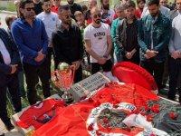 Gençlerbirliği kupayı İlhan Cavcav'ın kabrine götürdü