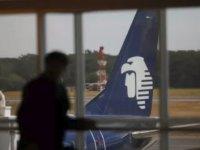 Uçağa geç kalan bakan istifa etti