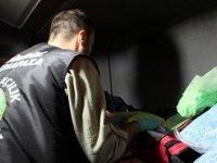 Kapıkule'de 2 TIR'da 486 bin 300 ecstasy hap ele geçirildi