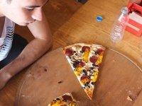 Pizzayı bitirene çeyrek altın