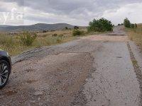 Çubuk Yukarı Emirler Mahallesi'ndeki yollar bozuk ve bakımsız