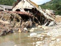 Çevre ve Şehircilik Bakanı Kurum: Heyelan riski var, 66 binayı boşaltacağız'