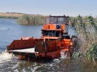"""Büyükşehir Belediyesi """"Sıfır Atık Mavi Projesi"""" kapsamında Gölbaşı Mogan Gölü'nde atık malzeme toplama çalışması gerçekleştirdi"""