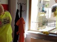 Keçiören Belediyesi'nden yardıma muhtaçlara ev temizliği