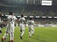Beşiktaş taraftarıyla buluşuyor