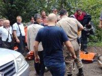 Fındık işçilerinin kamyoneti şarampole yuvarlandı: 1 ölü, 14 yaralı