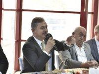 Mamak Belediye Başkanı Murat Köse muhtarlarla buluştu