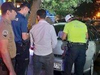 Polisten 'değnekçi' operasyonu