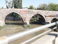 Selçuklu mirası Akköprü'de üzen manzara
